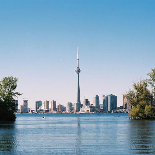Toronto_Skyline_Through_Island